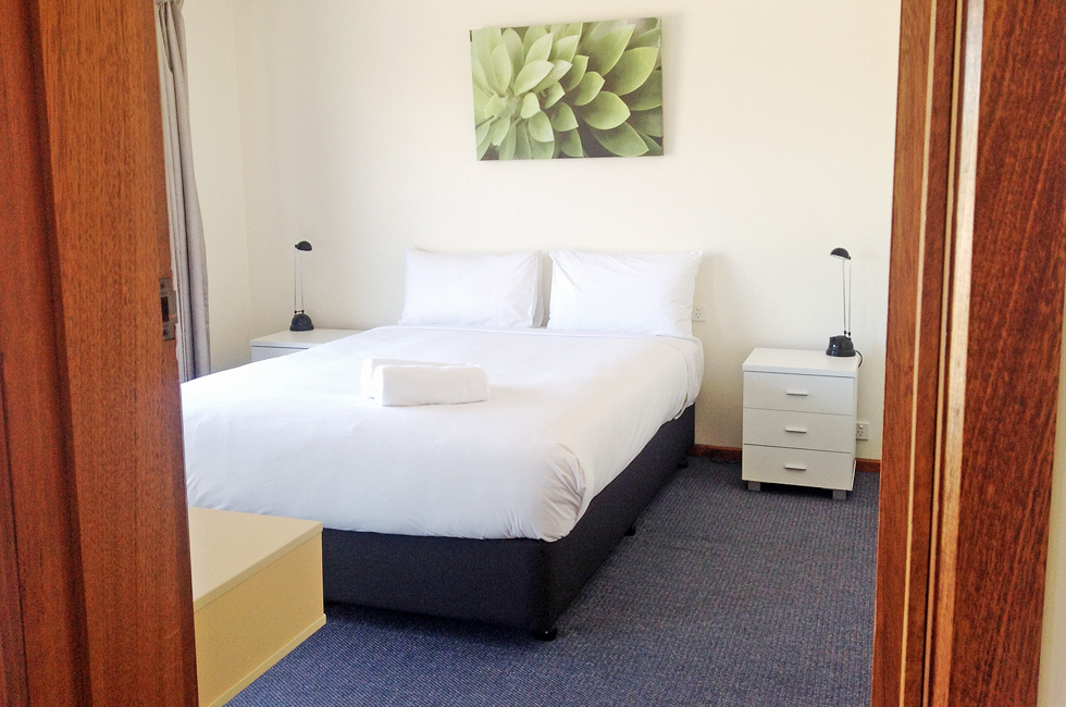 Comfortable motel rooms with free WiFi at Bass & Flinders Motor Inn