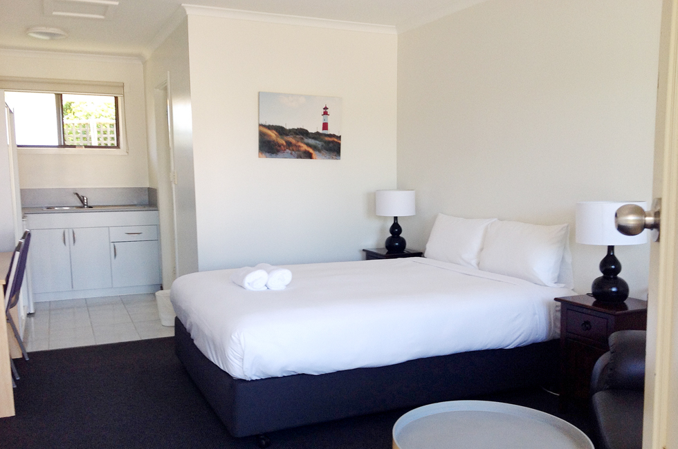 Comfortable motel rooms and free WiFi at Bass & Flinders Motor Inn